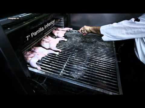 Pollos a la brasa al horno de carbón Josper / Grilled chicken - Charcoal oven Josper