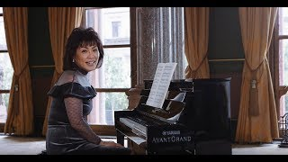 Noriko Ogawa piano lesson on Mozart's Rondo Alla Turca