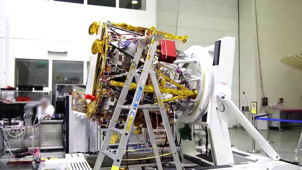 הרכבת החללית ובדיקות התאמה לסביבת החלל