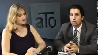 Cristiano Schmitt e Roberta Stefani apresentam um programa de cunho Juridico social no POATV canal 06 da net  Porto Alegre