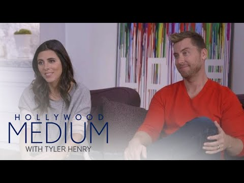 Tyler Henry Connects to Jamie-Lynn Sigler's Late Brother | Hollywood Medium with Tyler Henry | E!