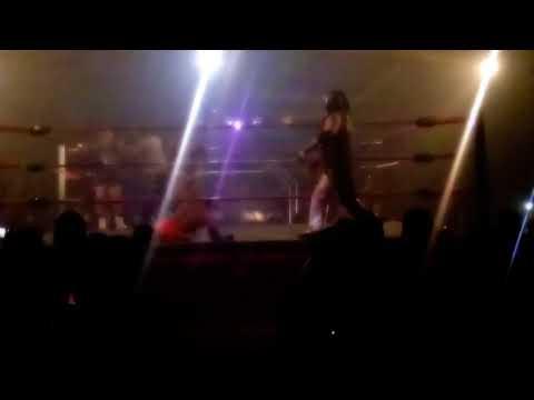UWLA Lucha Libre- Maximo vs Kato Extreme, Entrando Kata Extreme