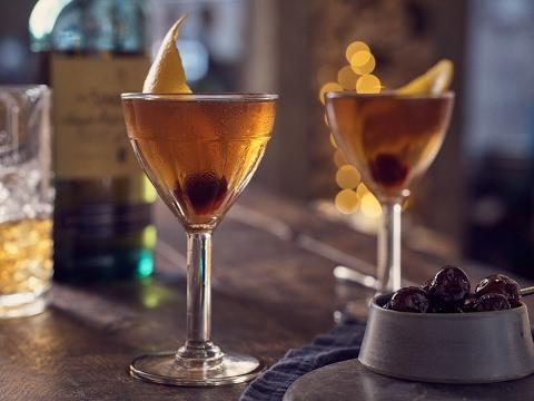 How To Make A Scotch Manhattan   World Class Drinks