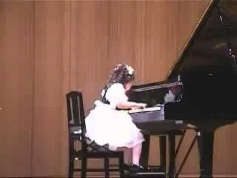Aimi Kobayashi (4 years old) plays Clementi Sonatina op. 36