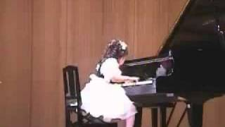 Aimi Kobayashi (4 years old) plays Clementi Sonatina op. 36