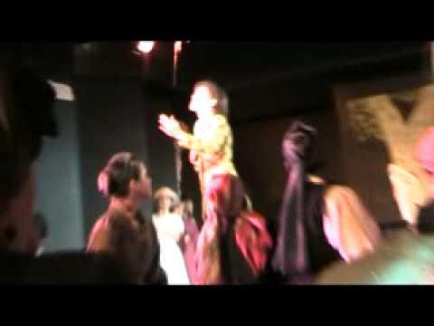 sarah-thompson-live-3