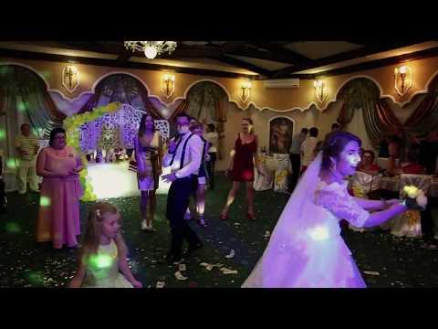 Свадебный букет на люстре Ведущий Сергей Тимошенко