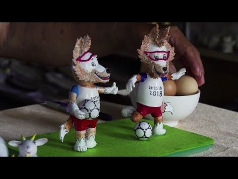 Vietnamese craftsman makes World Cup mascots from eggshells