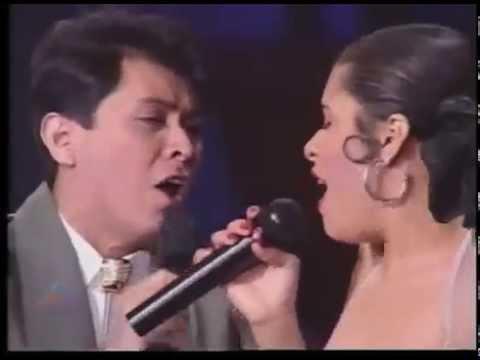 Alvaro Torres - Buenos Amigos - ft.  Selena (en vivo)