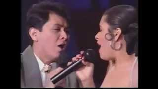 Video Alvaro Torres - Buenos Amigos - ft.  Selena (en vivo) download MP3, 3GP, MP4, WEBM, AVI, FLV Juli 2018