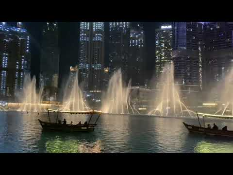 Amazing Dancing Fountain Show in Dubai 2021