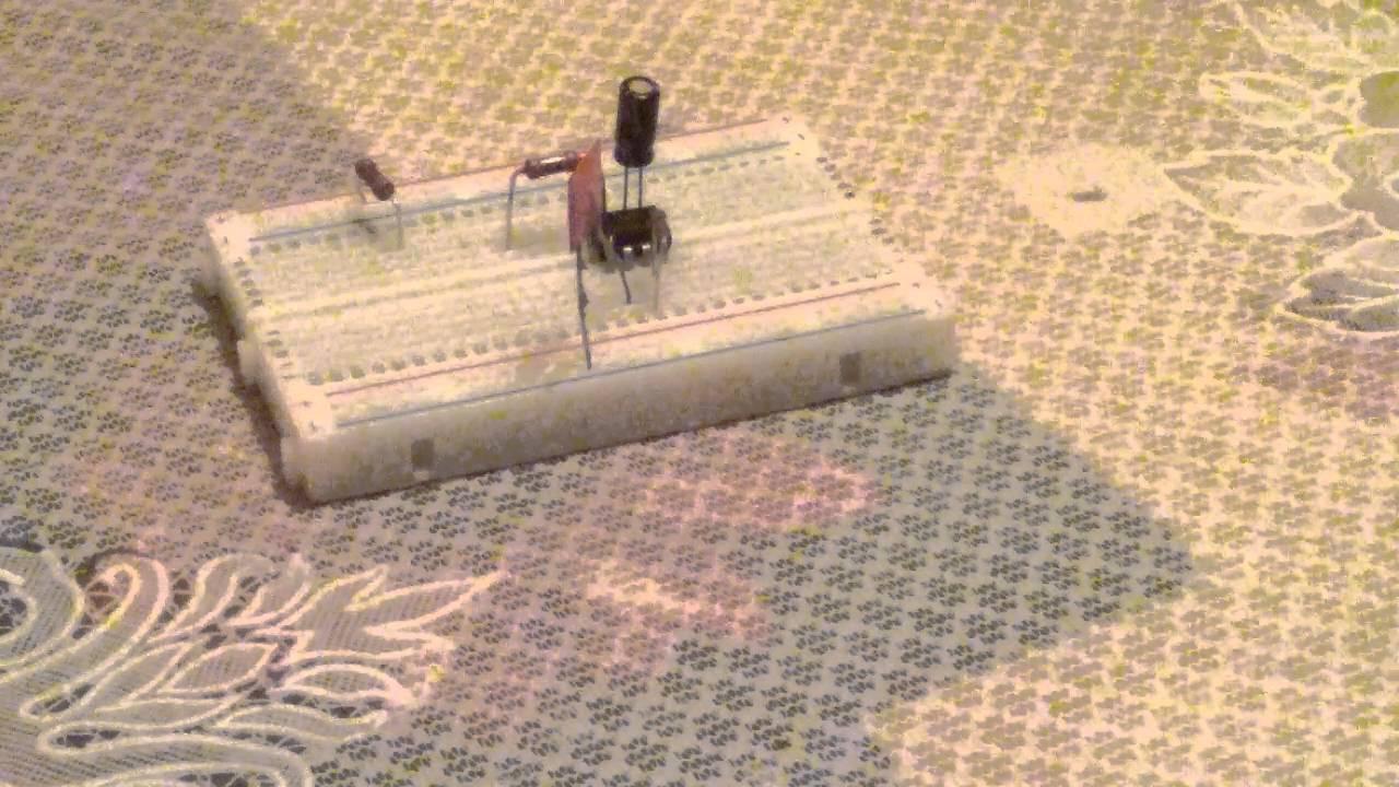 схема простого маячок мигалка.