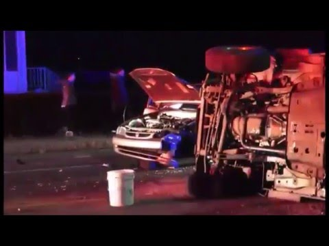 Major 2-vehicle accident on Acushnet Ave (New Bedford)