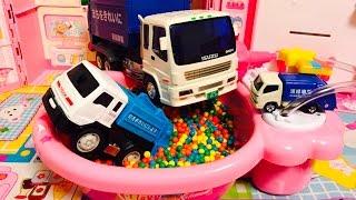 はたらくくるま ごみ収集車のおやこ みんなでお風呂気持ちいいなあ〜♪はたらくくるま おもちゃアニメ thumbnail