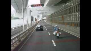 2012/09/22 白バイ追尾に気付かれた車両の後ろを走る HONDA VFR800P thumbnail