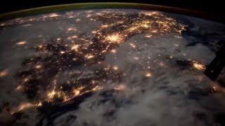 La météo : Orage vu de l'espace cumulonimbus éclair