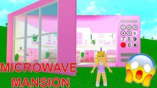 I Built A MICROWAVE MANSION In Bloxburg! (Roblox)