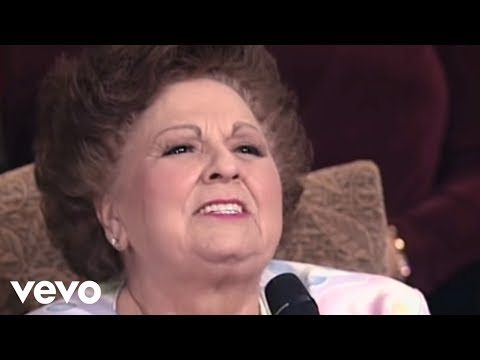 Vestal Goodman, Dottie Rambo - The Holy Hills Of Heaven Call Me (Live)