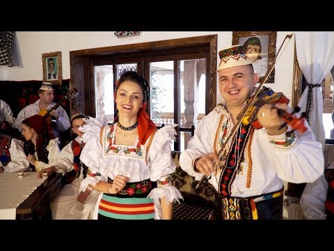 Vasilica Ceterasu si Amalia Ursu  Colaj Hori din Batrani 2018