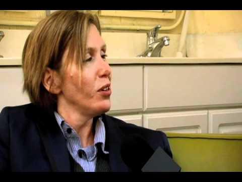 """HOLE drummer Patty Schemel- The """"Hard"""" Interview"""