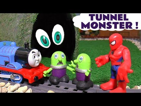 funny-funlings-tunnel-monster-with-thomas-the-tank-engine-spiderman-and-hulk-tt4u
