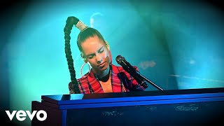 Alicia Keys - Try Sleeping With A Broken Heart in the Live Lounge