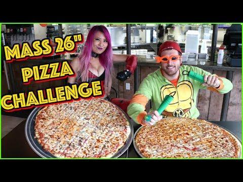 "Giant 26"" Pizza Challenge in Jefferson City, Missouri!! #CrazyMagicTour - #RainaisCrazy"