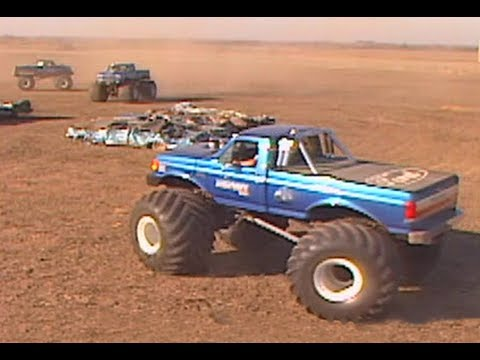 D Hox likewise Hqdefault likewise Hqdefault furthermore Latest Cb in addition Copie. on bigfoot 1 monster truck