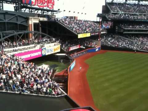 Mets 7th inning stretch Italian song Lazy Mary