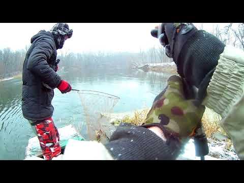 Жесть адская рыбалка!!! жор шуки на Северском донце в непогоду в декабре