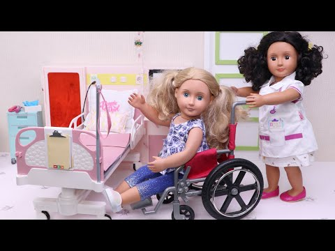 Baby doll gets into bike accident - doctor helps her in hospital! Play Toys!