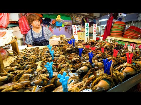 Taiwanese Seafood Tour - CRAB ARMY + TUNA MADNESS In Donggang | BEST Street Food In Taiwan