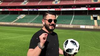 Смотреть Михаил Галустян принял участие во флешмобе в поддержку сборной России по футболу онлайн