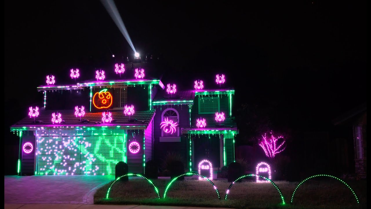 Christmas House Light Show 2020 Enter Sandman (Metallica) 2020 Halloween Light Show   YouTube