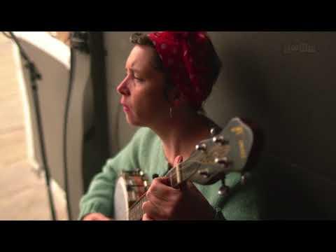 Lisa O'Neill :: Rock The Machine (This Ain't No Disco) Mp3