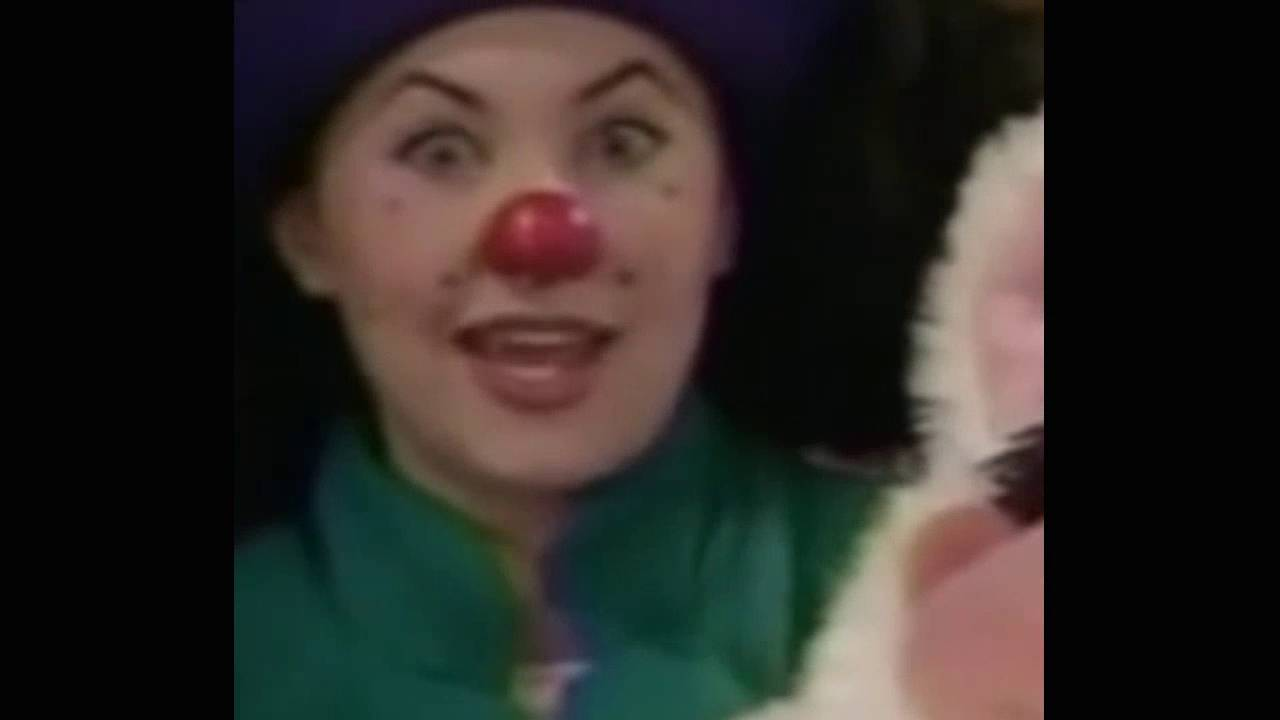 Big Couch Clown Big Comfy Couch Clothes Make The Clown 360p 24fps H264