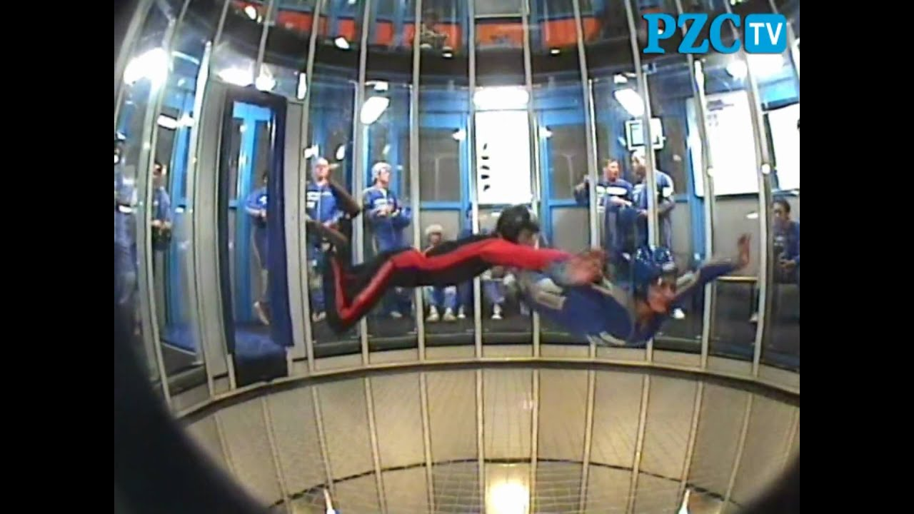 Indoor Skydive Roosendaal - YouTube