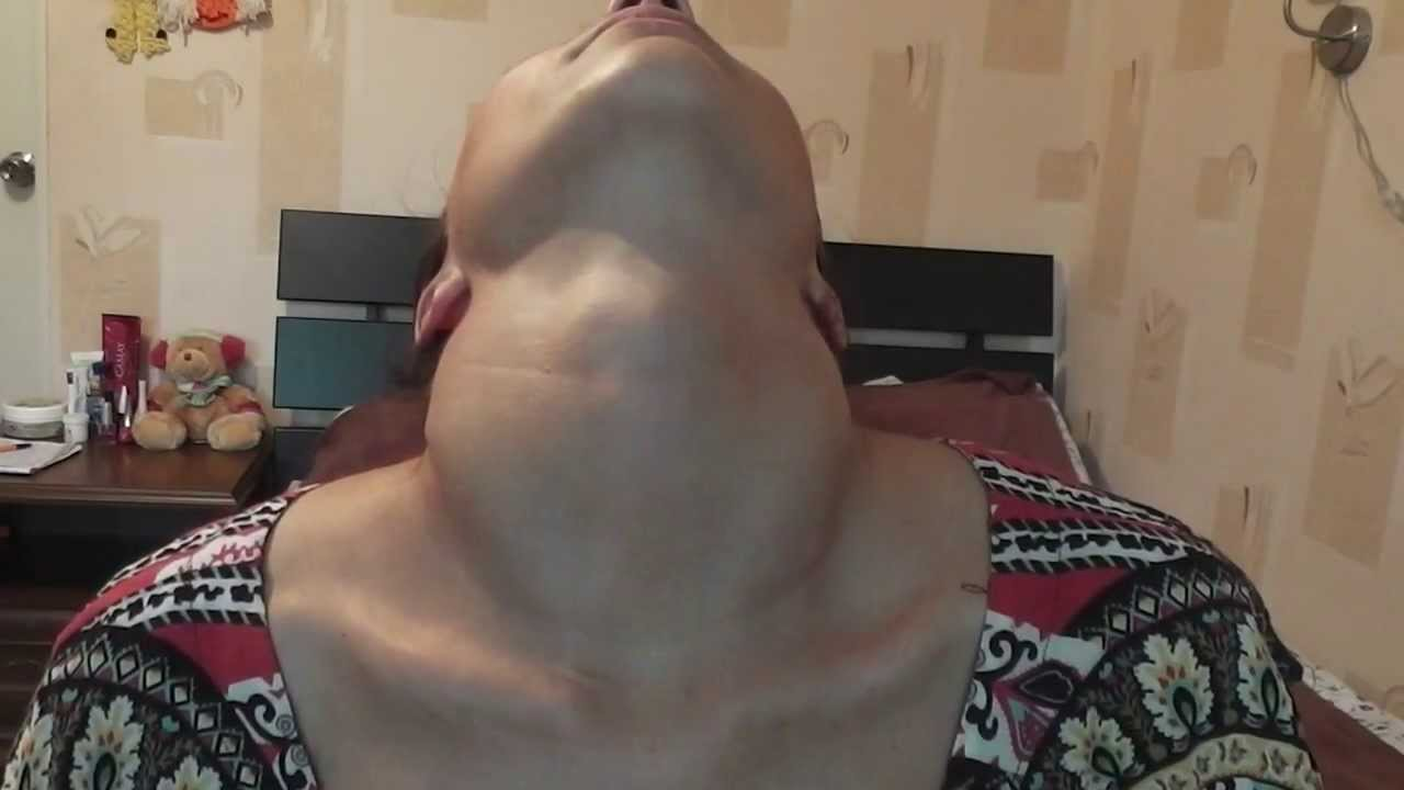 Girls with neck arched back fetish
