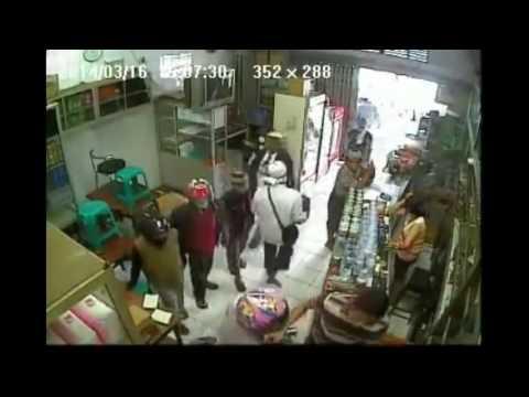 A Nonstop Robbery n Kids in a shop ! See To Believe ! Rompakan tanpa berhenti !