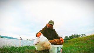 Рыбалка на донки и нехитрый ужин на берегу