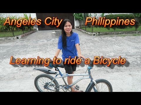 Angeles City Philippines : Learning to Riding a Bicycle