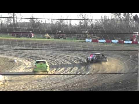 Montpelier Motor Speedway - Heat Race - April 16, 2016