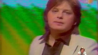 Download Юрий Антонов - Жизнь. Начало 80-х Mp3 and Videos