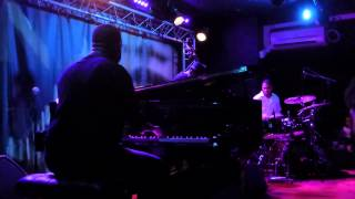 Robert Glasper Trio - In Case You Forgot (New Morning - Paris - July 20th 2015)