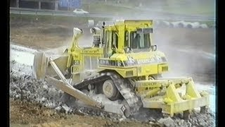 Caterpillar D7H XL, D6H LGP, Mercedes NG, MAN,... / A8/A81 Dreieck Leonberg, Germany, 18.09.1995.