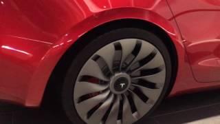 Mijn eerste indruk van de Tesla Model 3, giga scherm voor €35k ontzettend mooi
