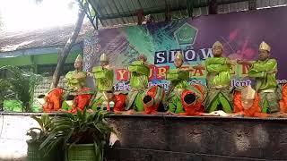 Boys Saman Dance