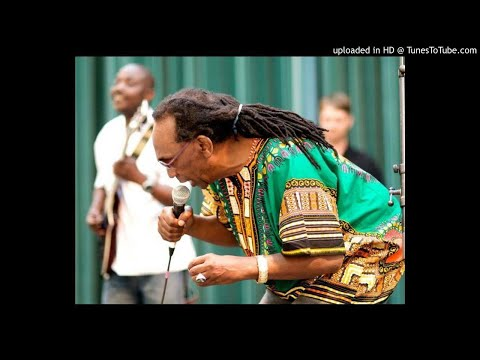 THOMAS MAPFUMO   HWAHWA    LIVE SHOW AUDIO