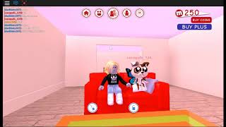roblox replay with a kid in meep city with cocopuff under score 211 not very sue