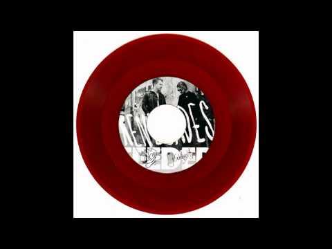 Feeder - Sending Out Waves (Renegades single B-Side)